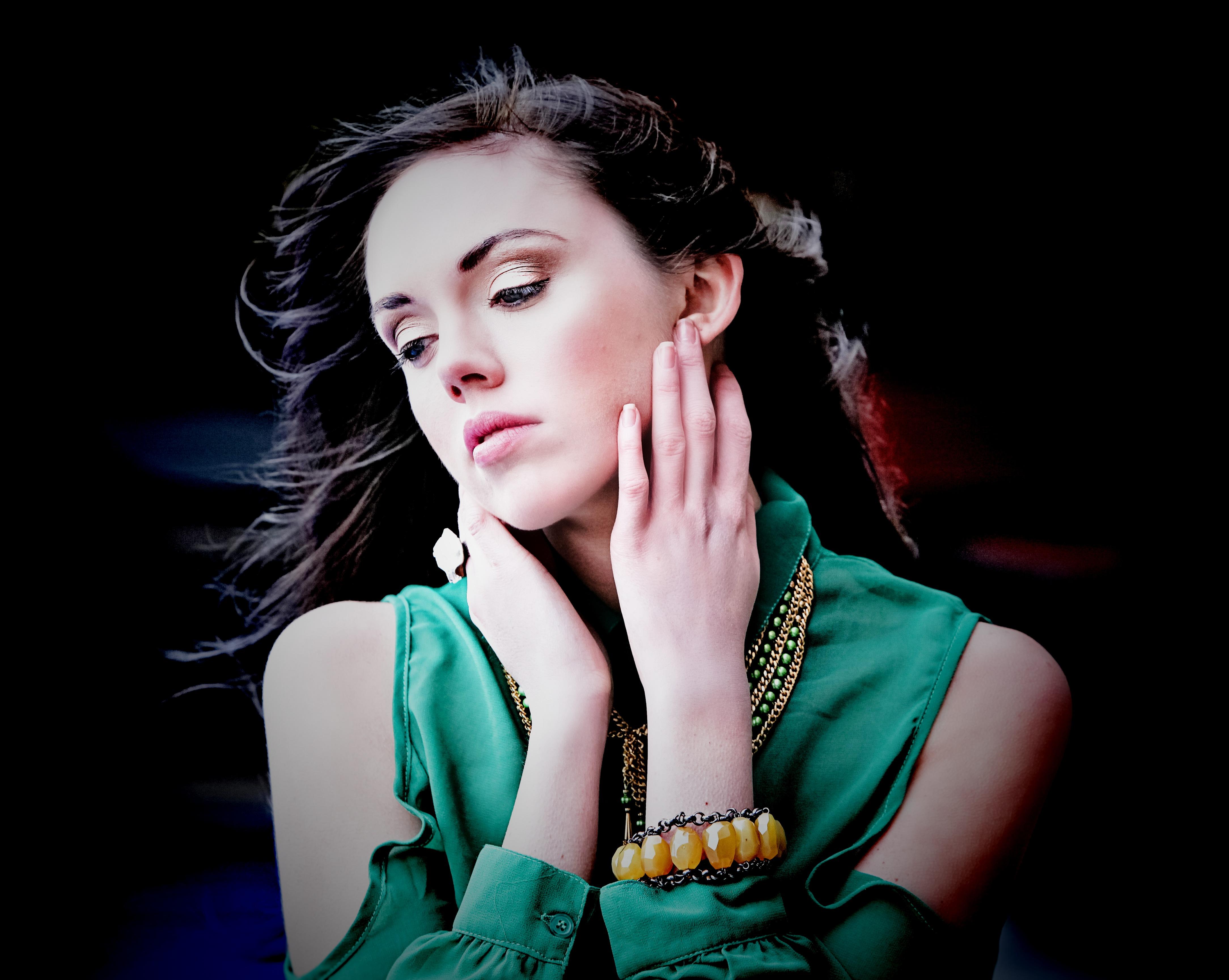 Wicked Peacock featuring Magdalena Stokalska