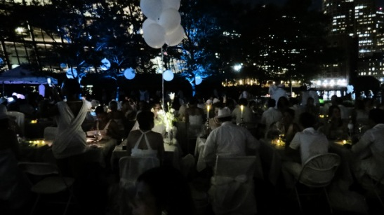 Crowd at Le Diner en Blanc