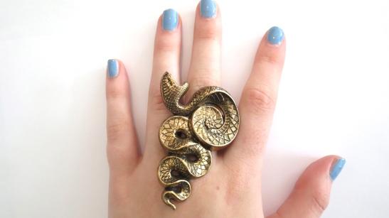 Snake Ring ON